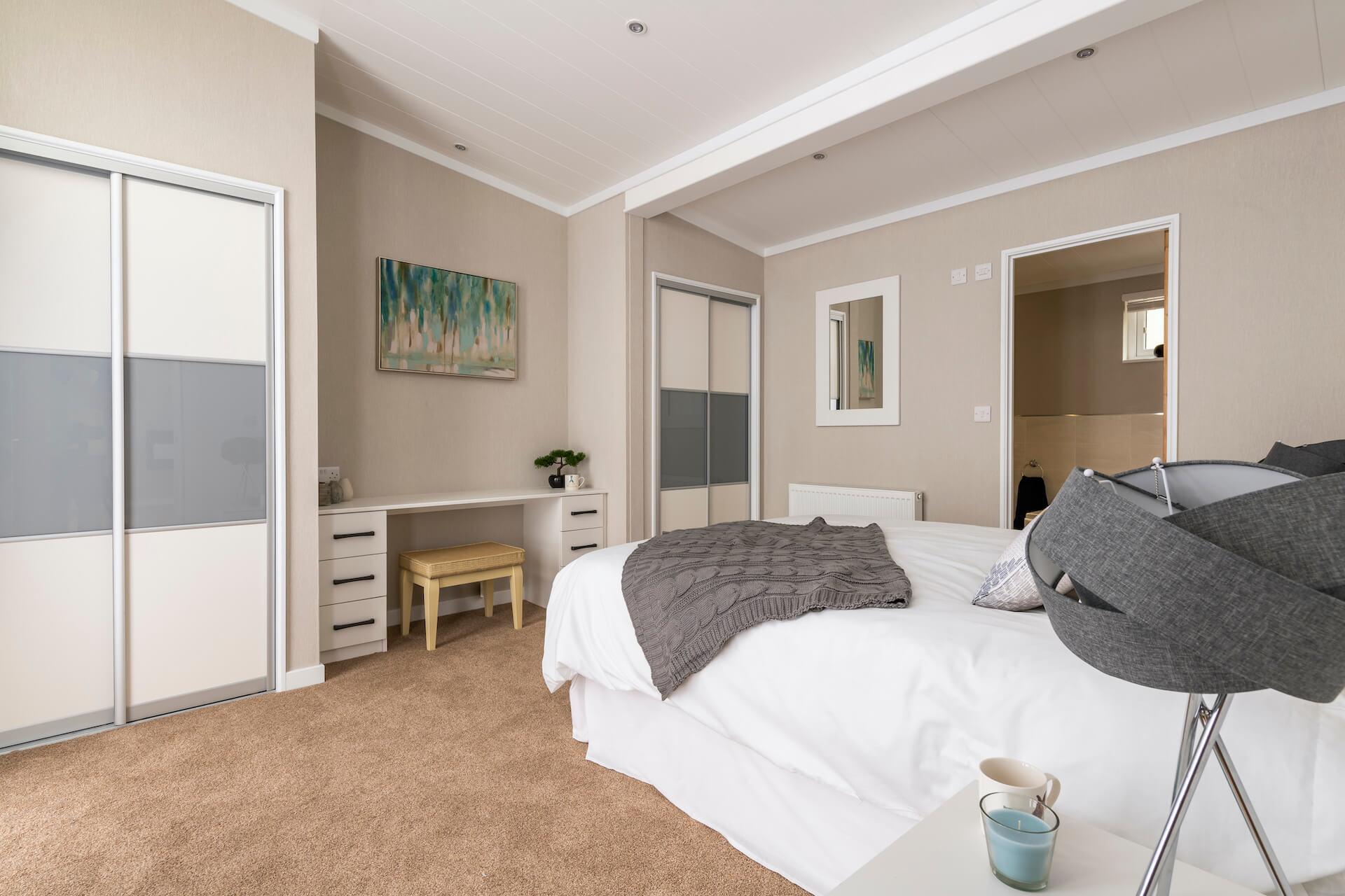 Omar-Atrium-Monopitch-Master-Bedroom-v2