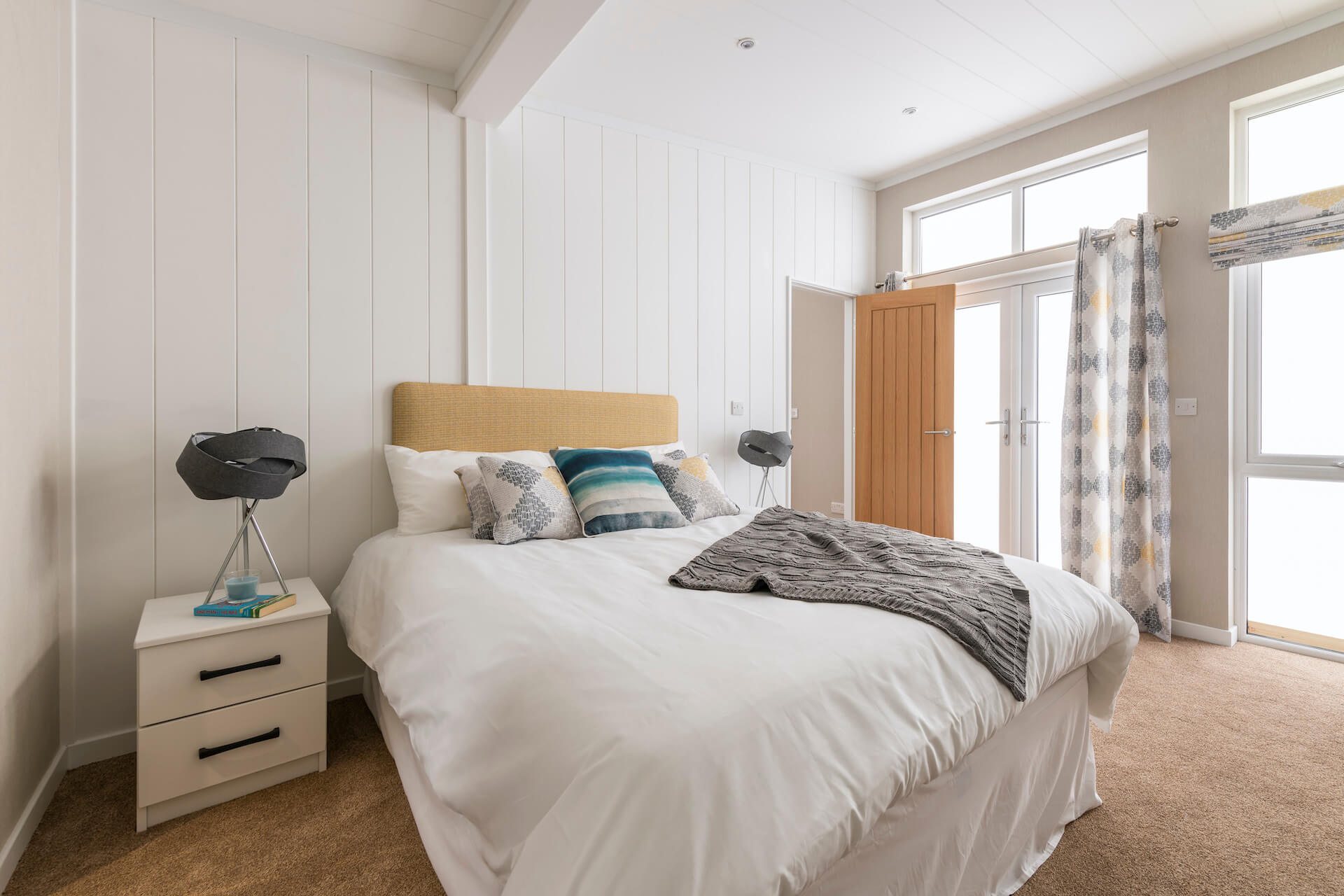 Omar-Atrium-Monopitch-Master-Bedroom