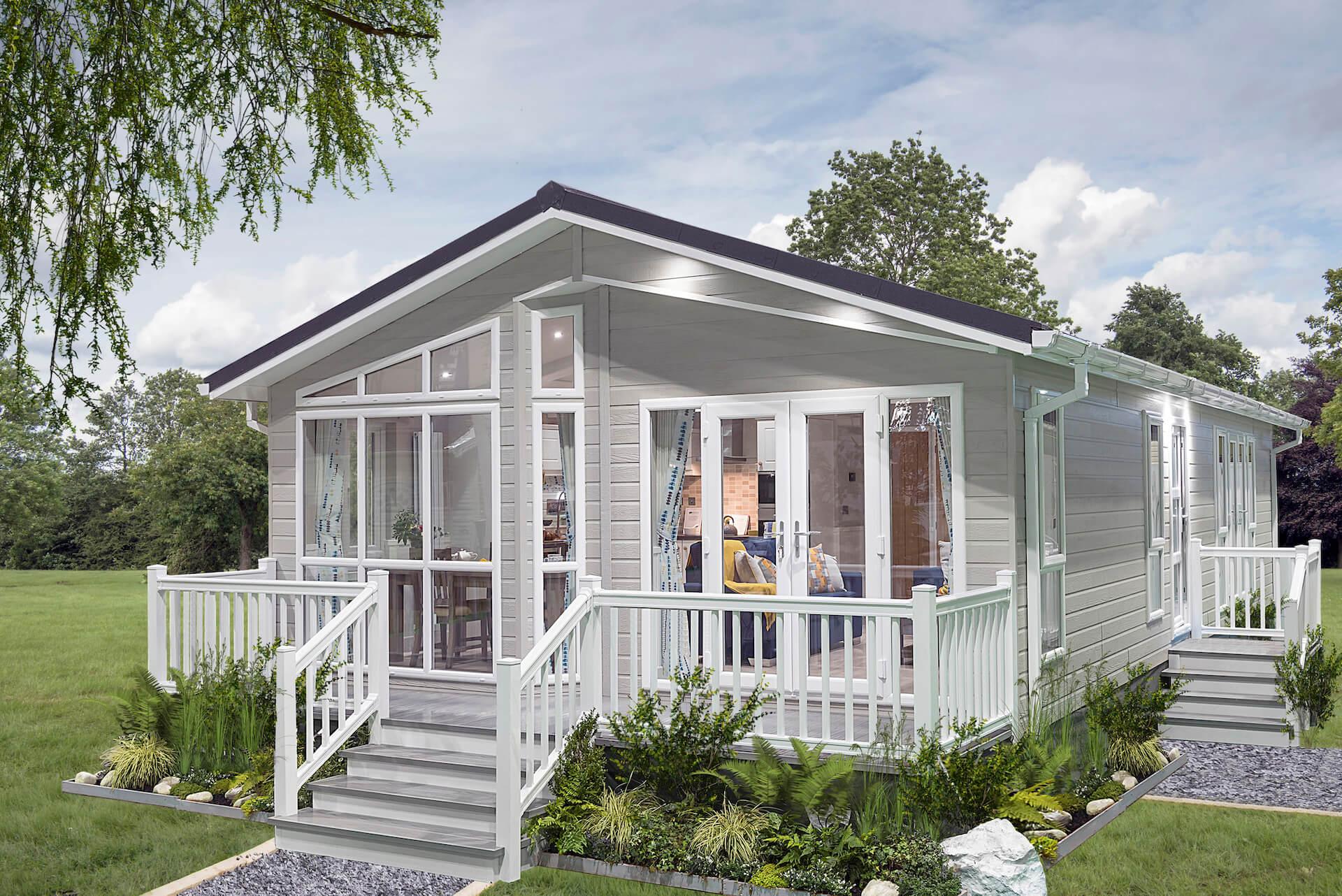 Summerhouse-Luxury-Lodge-Exterior-2018