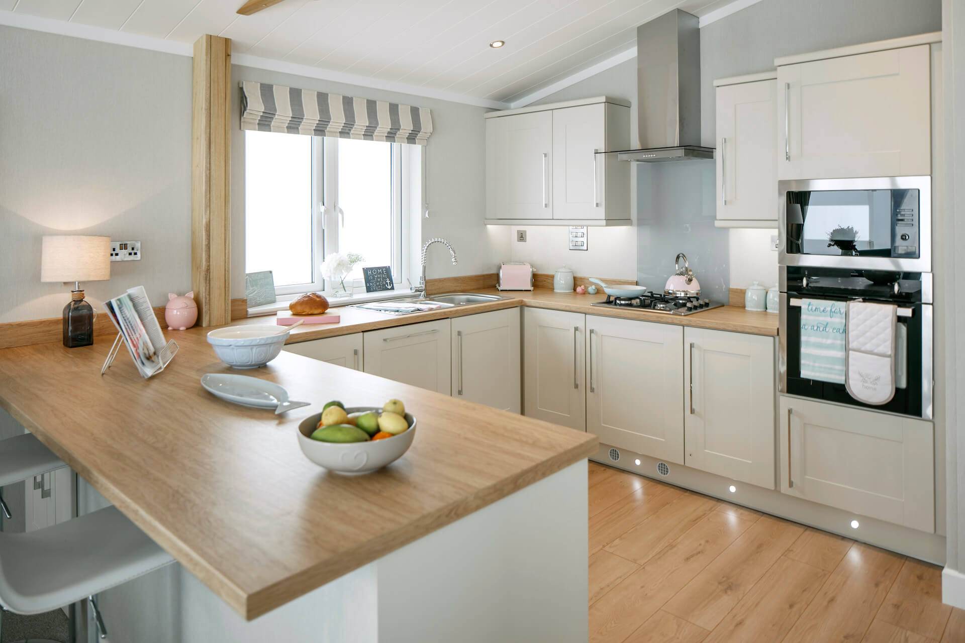 Wessex-Contemporary-Kitchen-